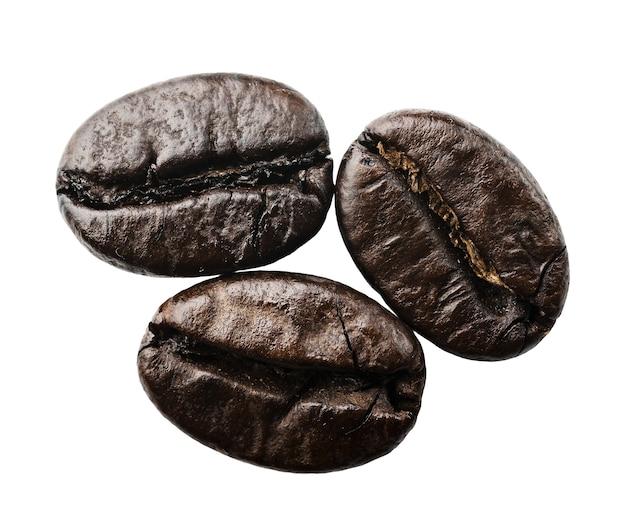 分離されたクローズアップのコーヒー豆
