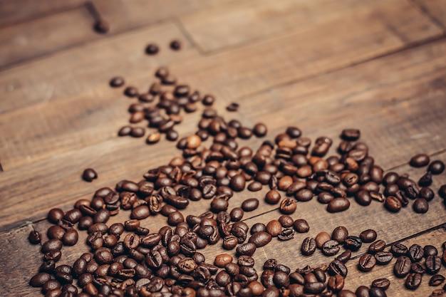 コーヒー豆の朝の飲み物の準備芳香のにおい