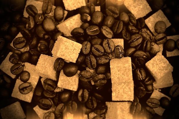 Кофе в зернах сепия