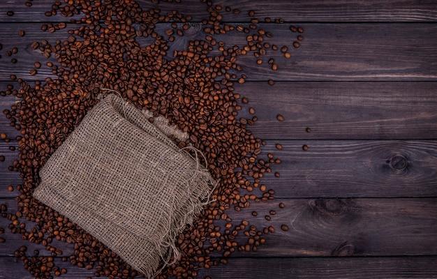 커피 콩. 복사 공간이있는 평면도