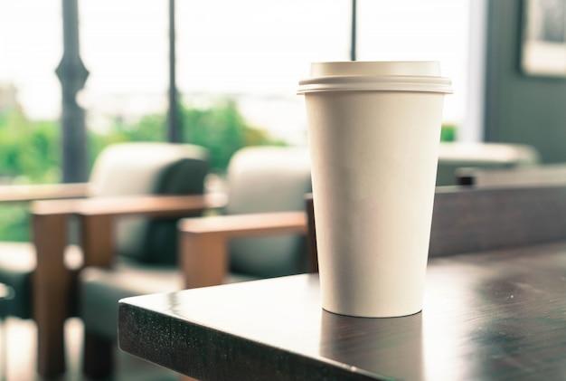 Tazza di caffè in caffè