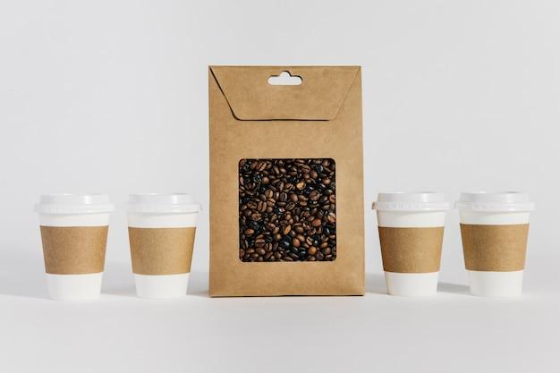 コーヒーカップと袋
