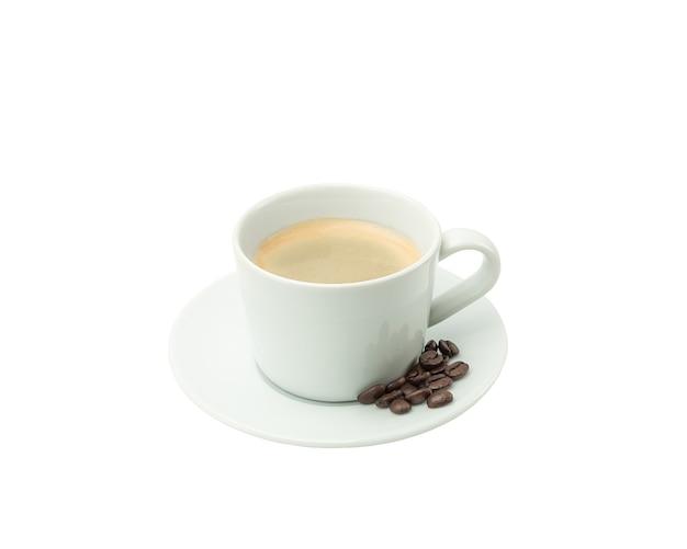 Кофе в белой чашке на белом