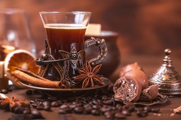 오리엔탈 스타일의 커피