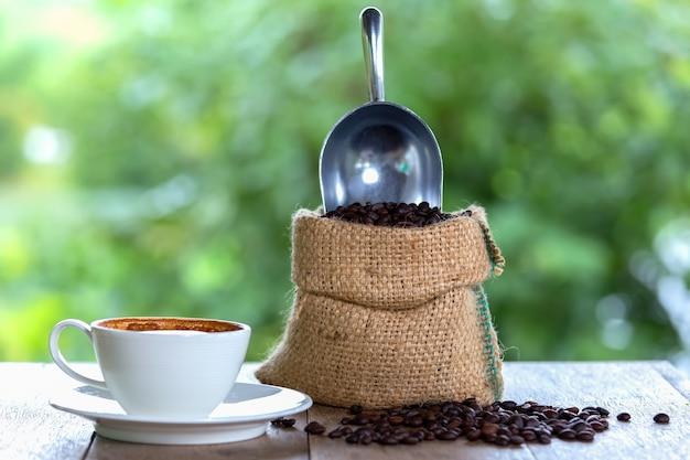 커피는 중요한 식사 간식 또는 아침 식사입니다.
