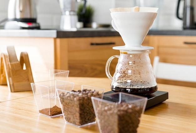 コーヒーマシンと豆の品揃え