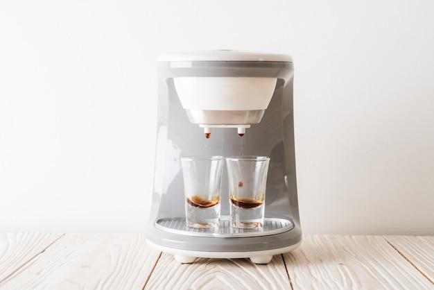 Кофеварка машина для приготовления кофе