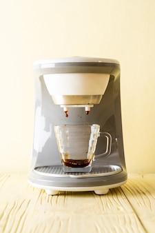 커피 메이커 기계 커피 만들기