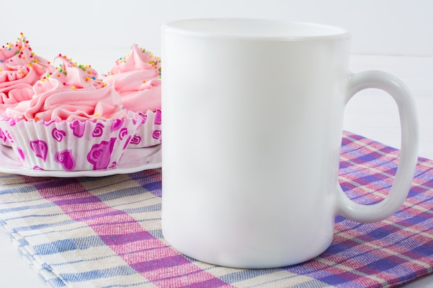 Coffee mug with checkered napkin