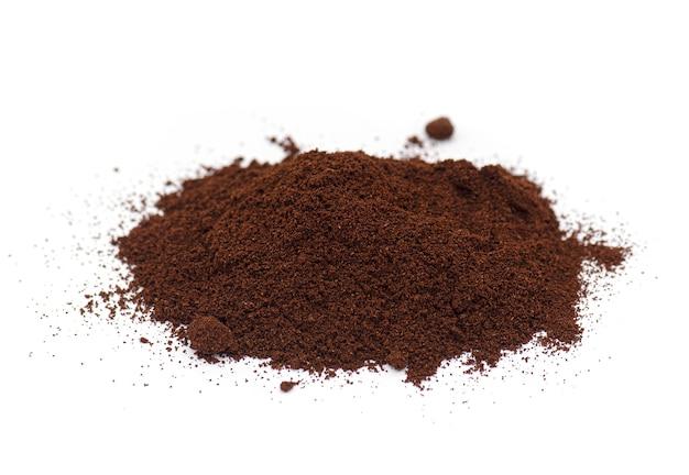 Кофе порошок, молотый кофе молотый жареный кофе изолированный