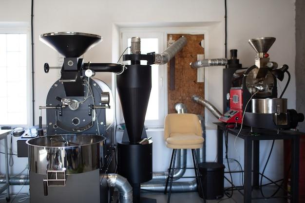 커피 로스팅 과정에서 커피 로스터기