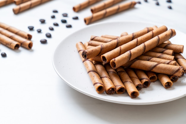 Coffee wafer sticks with cream