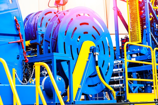 Coiled tubing machine to work in the oil fields