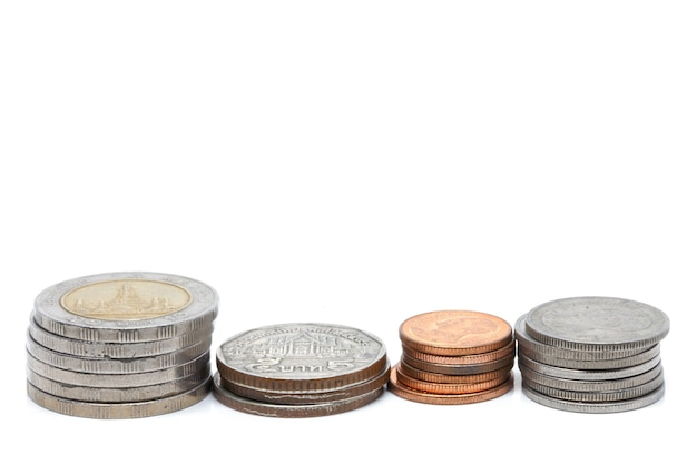 Монета валюты thb на белом