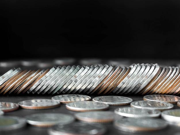저축 또는 기타 재정 문제에 대한 기사가 들어 있습니다.