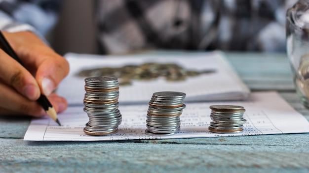 スタック計算コンセプトのコイン Premium写真