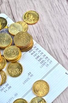 銀行口座帳のコイン