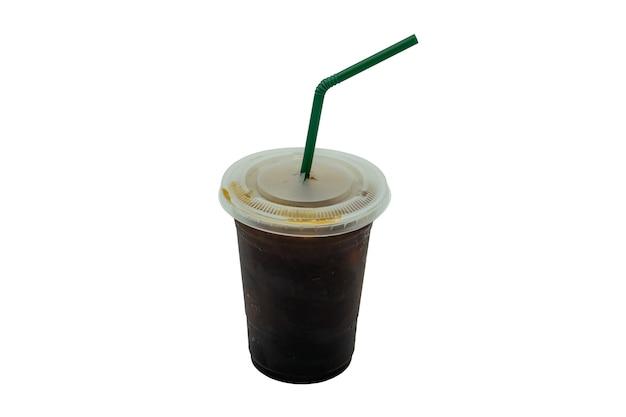 白い背景で隔離の冷たいアメリカーノブリューコーヒー