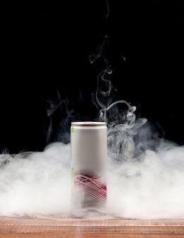 Bevanda fredda nel fumo