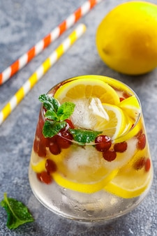 Cold and refreshing detox water