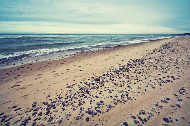 Холодное море в старинных тонах.