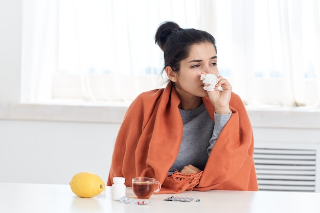 감기 여자 두통 건강 문제 약물 치료