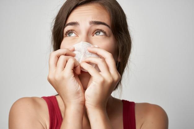 ハンカチ健康問題ウイルスと冷たい女性