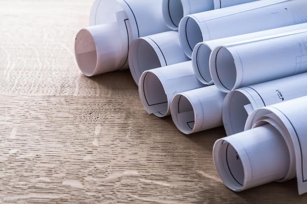 木製オーク板建設コンセプトの青写真ロールのコレクション