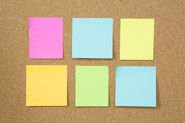 Коллекция красочного разнообразия разместите его. бумага заметка напоминание липкие заметки булавка бумага синий