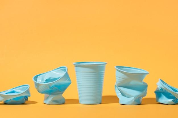복사 공간 플라스틱 컵 컬렉션