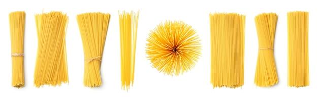 Сбор спагетти, изолированные на белом фоне