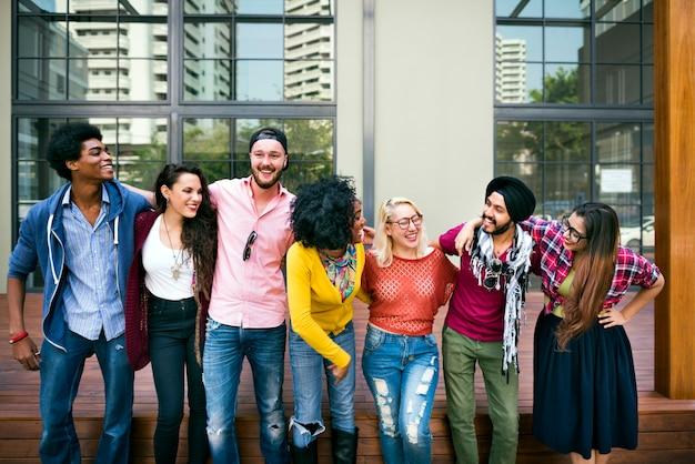대학생 팀워크 행복 미소 개념