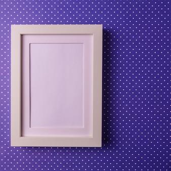 空の図枠と抽象的なミニマリズムcolofrul紙の背景。