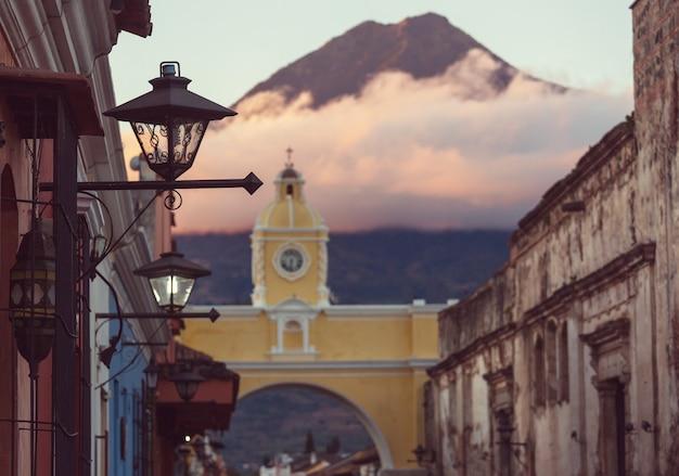 古代アンティグア グアテマラ都市、中央アメリカ、グアテマラの植民地建築