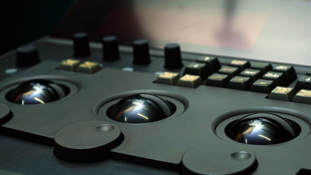 텔레시네 랩 포스에서 필름 또는 영화 색조를 편집하기 위한 색상 그레이딩 조정 컨트롤러 장비