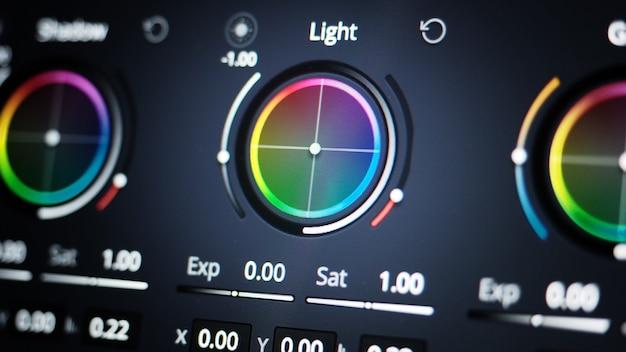 ポストプロダクションプロセスteleciのモニター上のカラーグレーディングツールまたはrgbカラー補正インジケーター