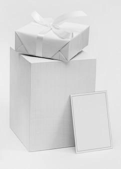 상자와 프레임이있는 올해의 무드 보드 색상