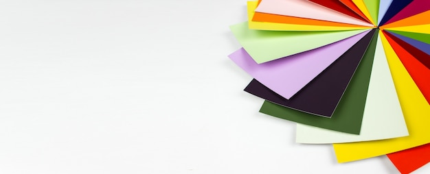 カラーパレット、ペイントサンプルカタログのガイド。カラーカードパレット。 Premium写真