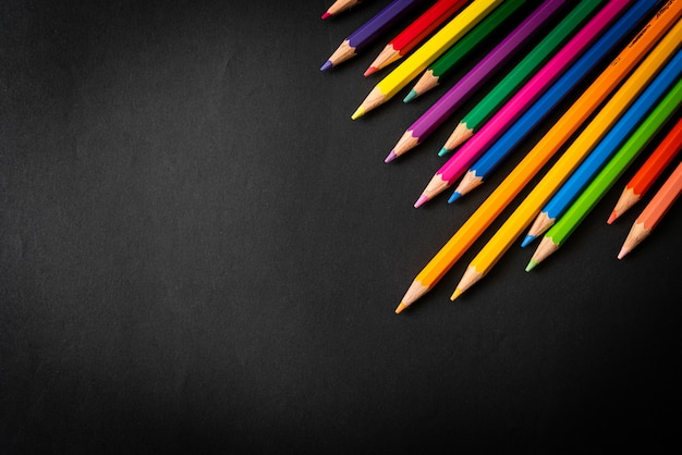 Цветной карандаш с копией пространства