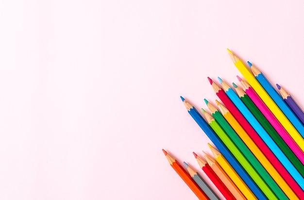 복사 공간 색연필