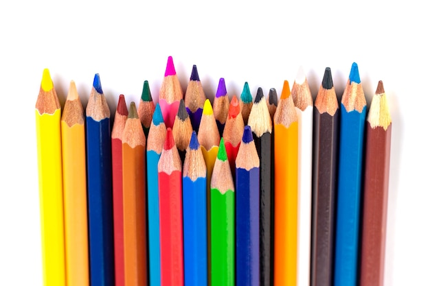 分離された色鉛筆、絵画。
