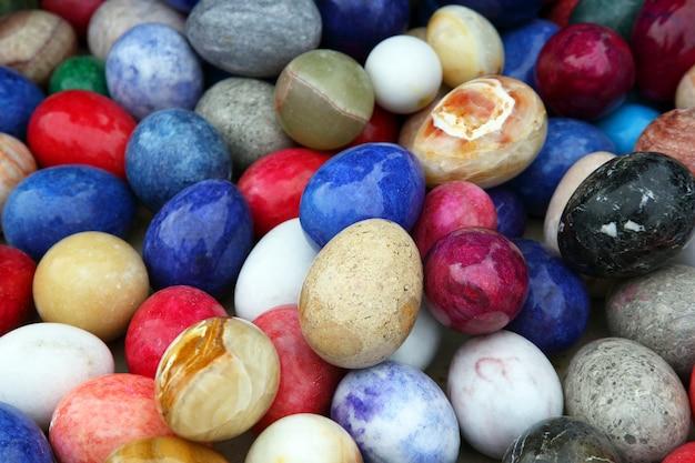 Цветные декоративные яйца из оникса