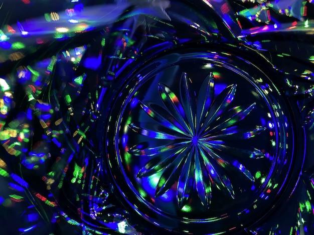 Цветные огни сквозь стекло, как калейдоскоп