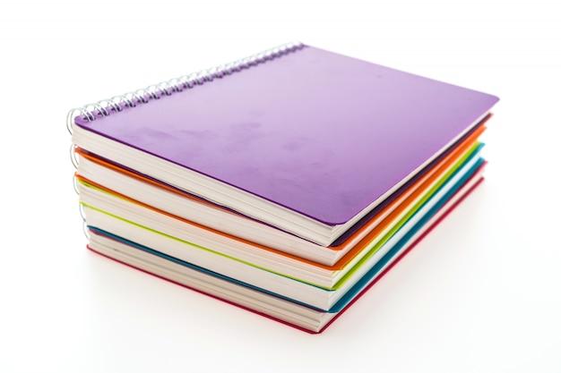 Quaderni colorati impilati