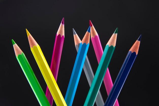 어둠 속에서 그리기위한 색연필