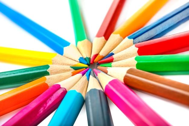 흰색 절연 색연필