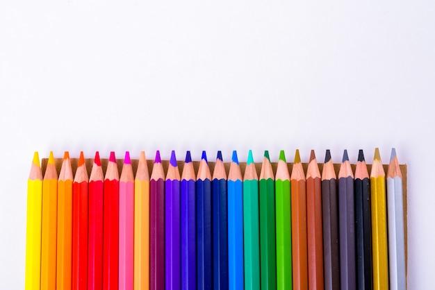 절연 행에 색된 나무 연필