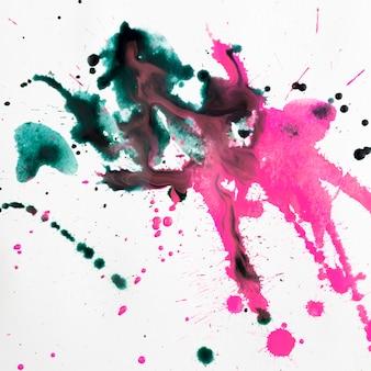Красочные художественные пятна акварельных брызг