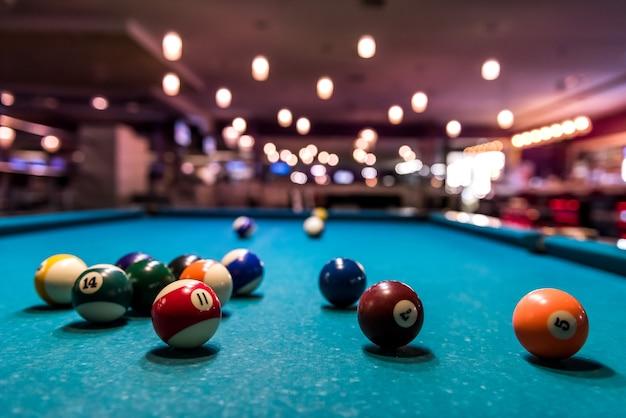테이블, 분산에 다채로운 당구 공