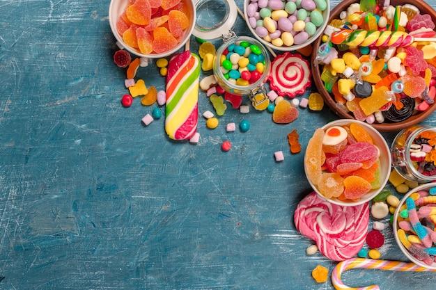 Смешанные красочные конфеты